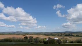 Frühlingslandschaft u. Himmel, Cornwall, Großbritannien Stockfoto