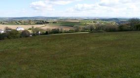 Frühlingslandschaft u. Himmel, Cornwall, Großbritannien Stockfotografie
