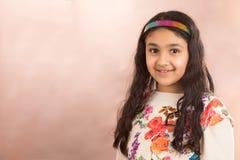 Frühlingsporträt eines kleinen Mädchens Lizenzfreies Stockbild