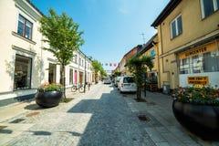 Frühlingsstraßenansicht in Karlshamn Stockbild