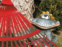 Frühlingsyard säubern kann Spaß oben sein Stockfotos