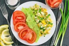 Frühstück auf einem schwarzen Hintergrund Stockfoto