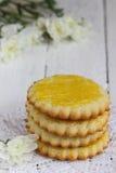 Frühstück auf orange serviete lizenzfreie stockfotografie