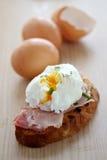 Frühstück des poschierten Eies Lizenzfreie Stockbilder