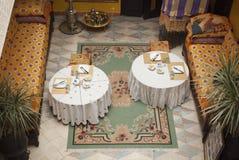 Frühstück in einem riad von Marrakesch stockfotografie