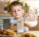 Frühstück mit Milch Stockfotografie