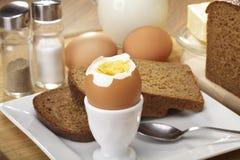Frühstück mit Vollkornbrot Lizenzfreie Stockfotografie