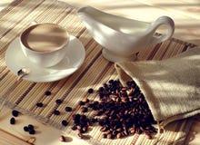 Frühstück und Kaffee mit Milch Stockfoto