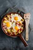 Frühstück, wenn Wanne gekocht wird Stockfotografie