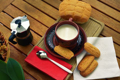 Frühstück zu Hause lizenzfreie stockfotos