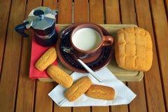 Frühstück zu Hause lizenzfreie stockbilder