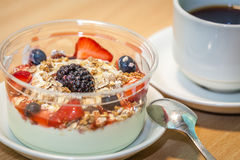 Frühstücksjoghurt Stockfotos