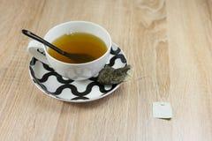 Frühstückstee mit chinesischem Löffel lizenzfreies stockfoto