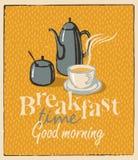 Frühstücksteeschale und Teekanne Stockfotos