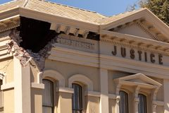 För Building Napa California för makroskaderättvisa skada jordskalv Royaltyfri Bild