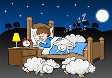 Får faller sovande på sängen av en sova man Arkivfoton