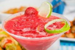 för folklösning för coctail sund jordgubbe Arkivfoton