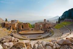 för grecotaormina för amphitheater antik teatro Arkivfoton
