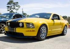 för gt-mustang för ford 2008 yellow Arkivbilder