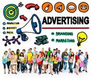 För marknadsföringsshopping för advertizing kommersiellt online-begrepp Royaltyfri Bild