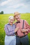 för par pensionär utomhus Arkivbild
