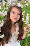 Fra il ramo della ciliegia Fotografie Stock