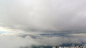 Fra le nuvole. Lasso di tempo stock footage