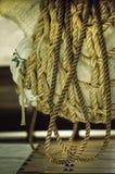 Fracht in den Seilen auf dem Schiff Lizenzfreie Stockfotos