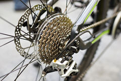 Fracht z łańcuszkowym tylni kołem bawi się rower górskiego fotografia royalty free