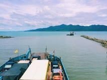 Frachtboot, Frachtschiff lizenzfreies stockbild