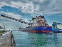 Frachter Algoma Niagara Great Lakes an Goderich-Hafen lizenzfreies stockfoto