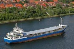 Frachter auf Kiel-Kanal Stockfotografie