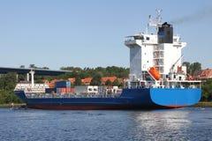 Frachter auf Kiel-Kanal Lizenzfreies Stockfoto