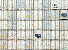 Frachtowi kontenery przy dokami Obraz Stock