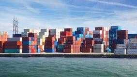 Frachtowi zbiorniki w Le Havre porcie. Zdjęcia Royalty Free