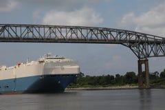 Frachtschiff C&D Kanal Lizenzfreie Stockbilder