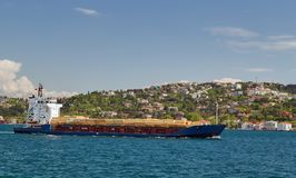 Frachtschifftanker im Kanal Bosphorus-Straße International Lizenzfreies Stockfoto