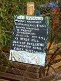 Fracking Se?al de peligro Colina del caballo, Surrey fotografía de archivo