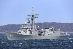 Fragata del misil teledirigido de la Adelaide-clase de HMAS Sydney FFG 03 de la marina de guerra australiana real fotos de archivo