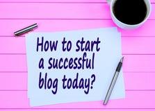 Frage, wie man ein erfolgreiches Blog heute beginnt lizenzfreie stockbilder