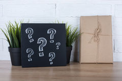 Fragezeichen auf Tafel Lizenzfreies Stockbild
