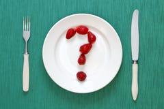 Fragezeichen gebildet von den Erdbeeren Stockbild
