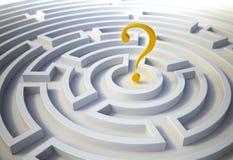Fragezeichen innerhalb eines Labyrinths Stockbilder