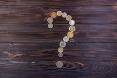 Fragezeichen mit Beschaffenheit des Dollars getrennt auf weißem Hintergrund Element des Finanzdesigns auf dunklem Hintergrund Stockfoto