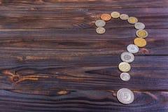 Fragezeichen mit Beschaffenheit des Dollars getrennt auf weißem Hintergrund Element des Finanzdesigns auf dunklem Hintergrund Lizenzfreie Stockfotografie