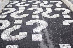 Fragezeichen-Straße Stockbild