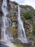 Fraggia d'acqua de cascades à écriture ligne par ligne image stock