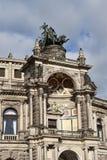 Fragment av byggnad av det Semper operahuset i Dresden Arkivbild