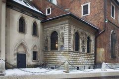 Fragment av den fasadgarneringSt Mary domkyrkan i Krakow, Polen Arkivfoto