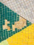 fragment av den gamla mosaiken av sovjetiska tider på väggen i Ryssland Arkivfoton